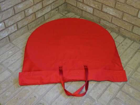 Crokinole Carrying Bag Closed Lying Down by Tracey Boards